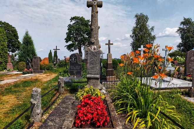Kunigo Kazimiero Pakalniškio-Dėdės Antanazo kapas