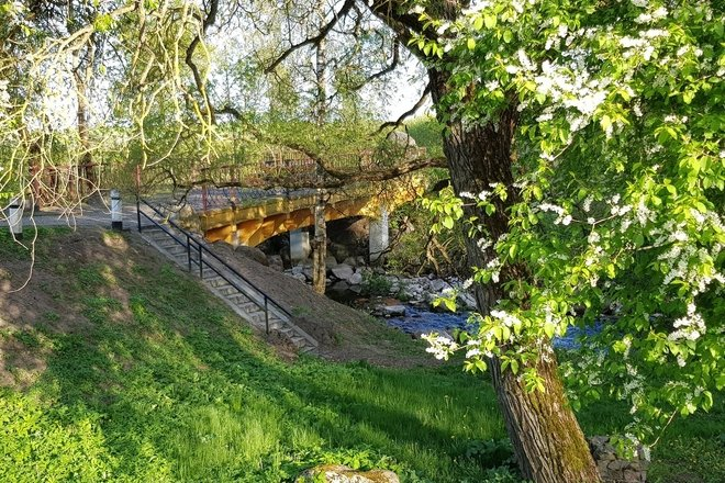 Tiltas per Ringuvos upę