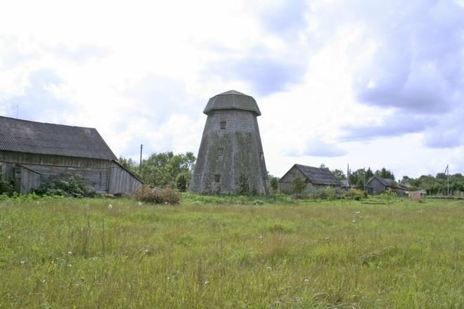 Žarėnų vėjo malūnas