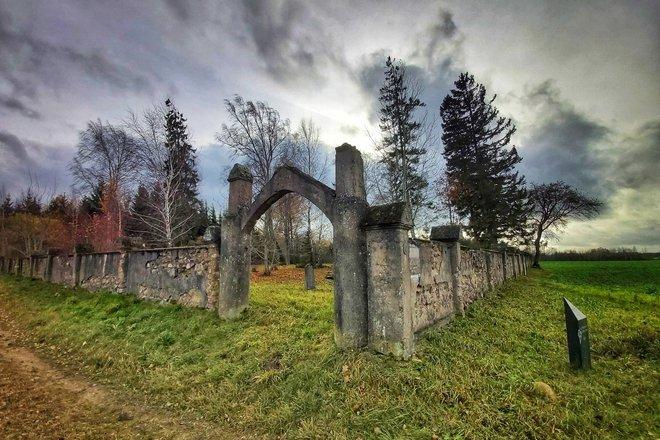 Gruzdžių žydų senosios kapinės ir Gruzdžių žydų žudynių vieta ir kapas